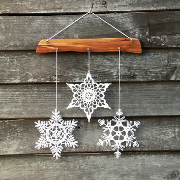 Snowflakes mobile - Christmas holiday decor - 3 crochet snowflake and wood ornament for cozy home