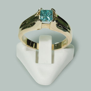 1 Carat princess cut diamond blue(CE) ring yellow gold 10K solitaire