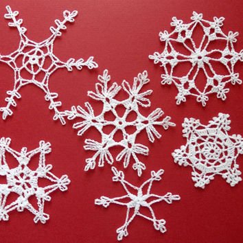 White crochet snowflakes, lace snowflakes, Christmas tree decoration, lacy snowflakes, large rustic ornament ornaments, Set of 6 (C52)