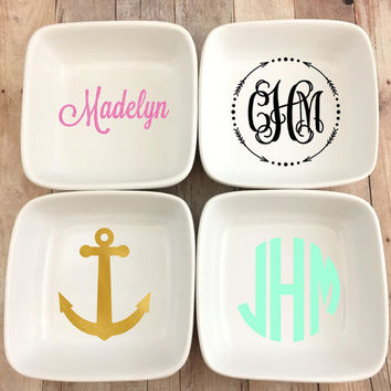 Personalized White Porcelian Ring Dish, Jewerly Dish, Arrow, Anchor, Monogram, Monogrammed Dish, Monogrammed, Monogram Decal, Jewerly