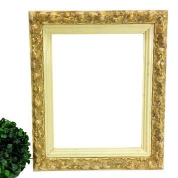 Gesso Picture Frame Holds 9x7 Photo Vintage Wood Ornate Antique Gold Cream Gilt Distressed Shabby Cottage Chic Wall Decor Wedding Decoration