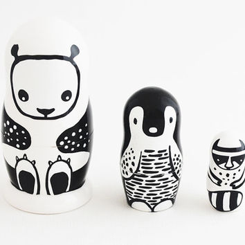 Set of 3 Wooden Nesting Dolls - Black and White
