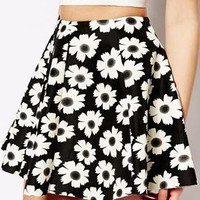 Fashion Union Scuba Skirt In Daisy Print