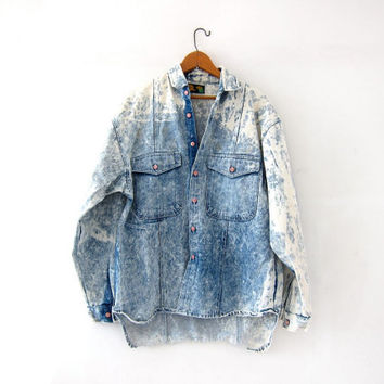 Vintage 80s acid wash shirt. Destroyed denim jean shirt - jacket. Bleached denim button up shirt.