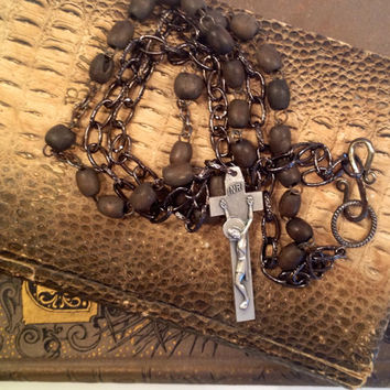 Men's Handmade Antique Rosary Bead Necklace with Silver-tone Penal Crucifix