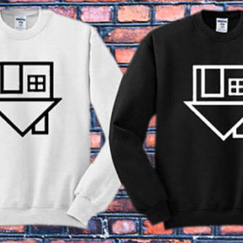 The Neighbourhood Symbol Crewneck Sweater   Available Size S,M,L,XL,XXL color black and white