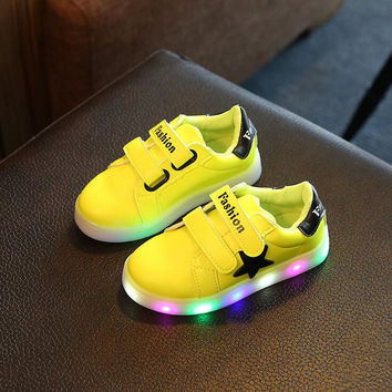 2016 Newest LED Luminous Shoes For Children Baby Boys Girls Casual Shoes Kids Student Outdoor Star Sports Shoes Fashion Sneakers