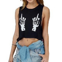 2015 New Black Skull Middle Finger Crop Top Women T shirt Brand Plus Size Sexy Punk Cropped Tops Women Rock Top