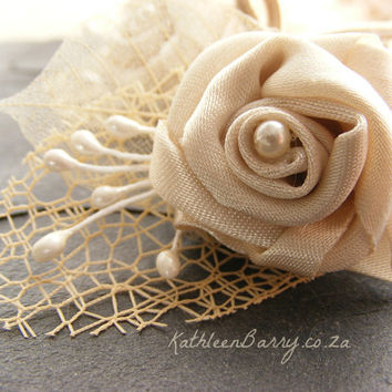 R150 - Ivory Boutonniere or corsage - lapel pin groom