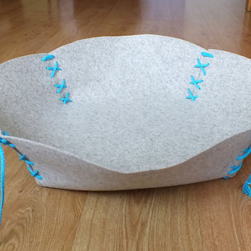 Cat Bed, Cat Mat, Cat placemat, Pet Bed, Pet Mat, Pet Placemat, Puppy bed, Puppy Mat Made Of 100 % Merino Wool Felt And Linen Flax Rope