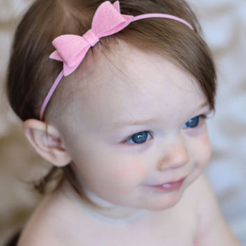 Small Bow Headband. Pink Felt Bow Headband. Newborn Headband. Baby Headband. Baby Photo Prop. Custom Headband. Baby Gift Ideas. Basic Bow.