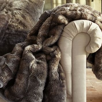 FAUX FUR THROW CHINCHILLA