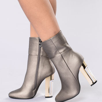 Rise To The Top Boot - Gunmetal