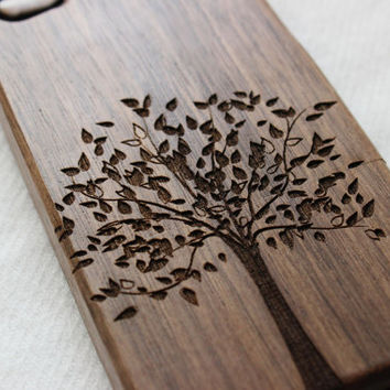 Wood iphone 5 case , Engraved tree wood iphone 5s case , Walnut wood iphone 5 case , Bamboo wood iphone 5s case
