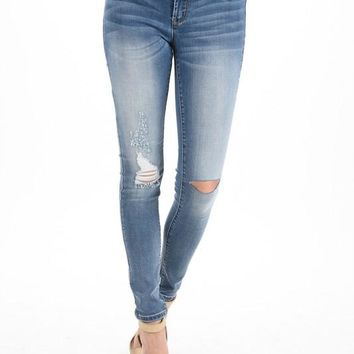 Kan Can Light Wash Maternity Jeans