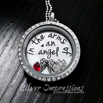 Living Locket / Floating Locket / In the arms of an angel / Remembrance Jewelry