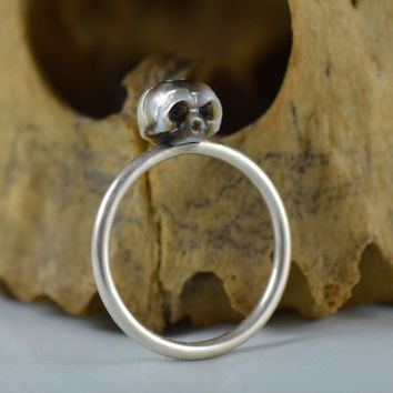 Mulitcolored Pearl Skull Ring Hand carved Sterling Silver Ring - Carved Skull Ring - Holiday Gift - Gift for him - Gift for her