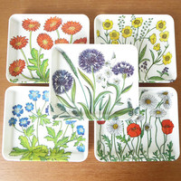 Five Mebel floral melamine trays made in Italy