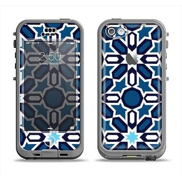 The Blue and White Mosaic Mirrored Pattern Apple iPhone 5c LifeProof Nuud Case Skin Set