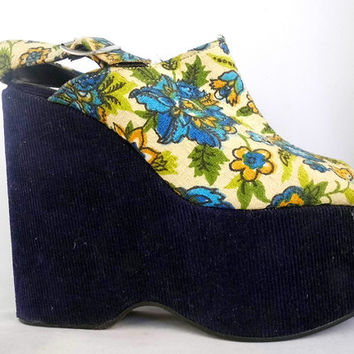 Vintage 70s Platform Sandals Open Toe Peep Toe Slingback Shoes Platform Wedges Paisley Print Corduroy Fabric Blue Shoes Flower Power Floral