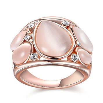 Mytys Fashion Rose Gold Rings Waterdrop Stone Crystal Cocktail Rings for Women Costume Jewelry