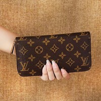 Louis Vuitton LV Classic Check Monogram Leather Women's Men Leisure Purse Wallet