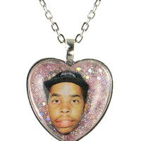 SOAPMAN GLITTER NECKLACE