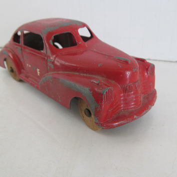 Art Deco Toy Car Coupe Chippy Red Pain Wooden Wheel Cars Antique Toy Car Old Metal car with Wood Wheels metalToy Cars