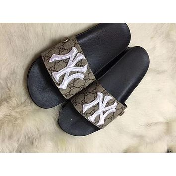 GUCCI x MLB co-branded embroidered letters women's models simple wild beach slippers