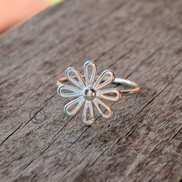 Sterling Silver Daisy Flower Ring - Style 1