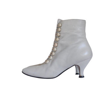 White Granny Boot Spat Shoe Women Boho Boot Ivory Leather Boot Boho Chic Bohemian Boot Leather Ankle Boot 80s Boot French Heel Shoe Ladies