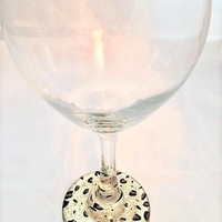 Valentines Day Glass, Leopard Wine Glass, Wine Glass Gift, Glitter Wine Glass, Valentines Day Gift, Personalized Wine Glass, Gift for Her