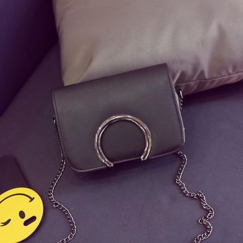 YBYT brand 2017 new joker leisure round metal flap hotsale ladies cell phone evening bags mini shoulder messenger crossbody bags