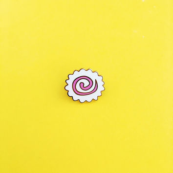 Japanese Fish Cake Pin // cloisonné, hard enamel, pin badge, enamel pin, lapel pin, emoji