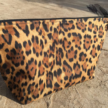 Large Makeup Bag - Cosmetic Bag for Travel or Purse Organization – Zipper Pouch Toiletry Bag - Brown Cheetah Animal Print - Vinyl Lined