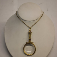 Vintage Sherlock Holmes Magnifying Glass Pendant Gold Tone Long Chain Necklace