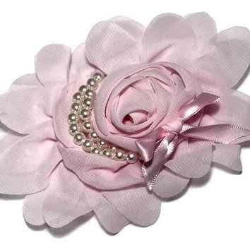 "Light pink 4.5"" X 4"" chiffon rolled rose with pearl stands"