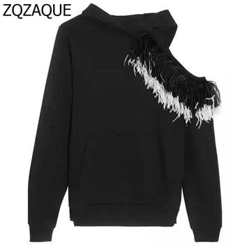 High Quality Runway Style Girls Hooded Sweatshirts Sexy Hollow Out Shoulder Patchwork Real Feather Hooded Tops SY1007