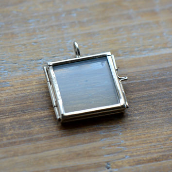 SILVER Glass Frame Pendant Small SQUARE Shape Double Sided Glass Hinged Locket Picture Frame Pendant Charm Jewelry Pendant (BD021)