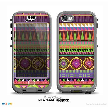 The Retro Colored Modern Aztec Pattern V63 Skin for the iPhone 5c nüüd LifeProof Case