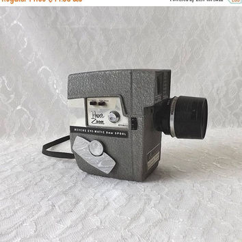 ON SALE - Revere 8mm Movie Camera, Vintage 1960s Power Zoom, Gray Model 118