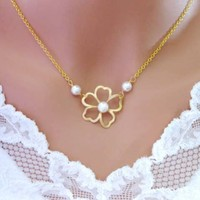 Celine - Gold FLOWERS and PEARLS Necklace - Wedding Jewelry | Handmade Jewelry | Bridal Jewelry -