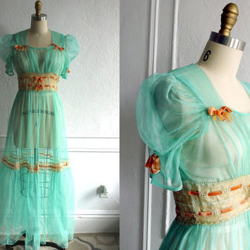 $148.00 1940s Dress Vintage Hostess Gown by TheVintageTrove