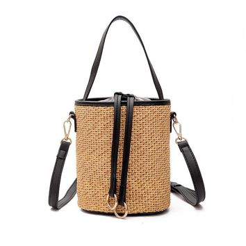 2017 New Woven Straw Handbags For Women Crossbody Bucket Bags For Beach Summer Shouder Crochet Straw Bag Bolso De Paja Bandolera