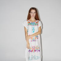 Vintage 1960s White Oaxacan Mexican Embroidered Hippie Dress
