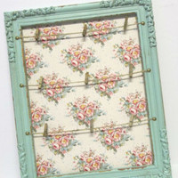 """Shabby Distressed Vintage Rustic Floral """"Pin It"""" Display Board"""