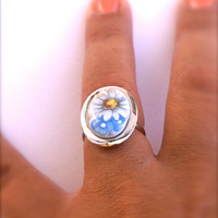 Daisy Ring Oval Adjustable Ring in Silver Tone Vintage Glass Cabochon
