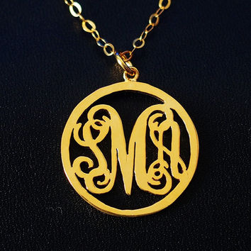 Circle monogram necklace for mom women 1 inch 3 initial Personalized necklace, Circle name monogrammed custom round Monogram necklace