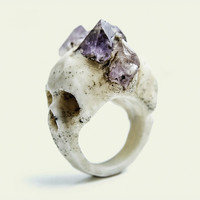 White Bifacial Skull Ring