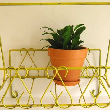 Kitschy Vintage Yellow Metal Magazine Rack by RollingHillsVintage